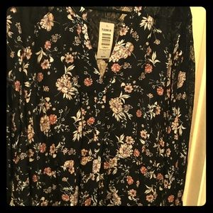 NWT Torrid 3X High-Lo Floral/Lace Top